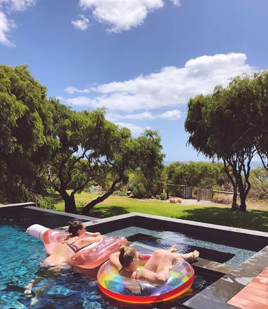 Relaxing in Eagle Bay. Image @ciaraloveswines