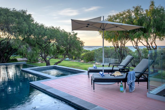 Picquet's spa and pool, beachfront in Eagle Bay
