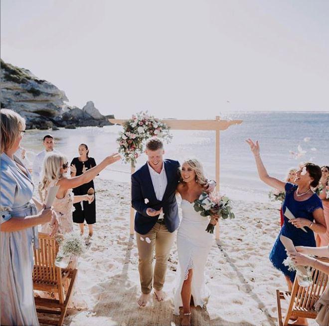 Barefoot Beach Weddings at White Elephant Cafe